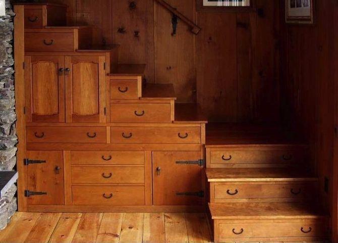 лестница и дополнительное место для хранения - из мебели ИКЕА