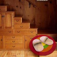 Лестница, как место для хранения вещей